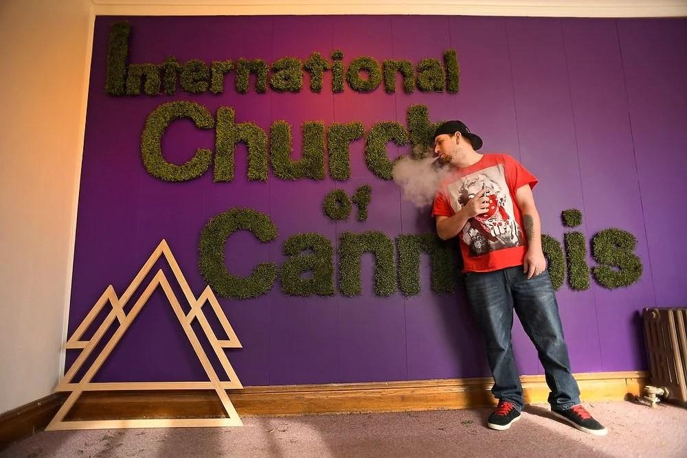 International church of cannabis smoke buddies 03 Mais uma Igreja da Maconha é fundada nos EUA