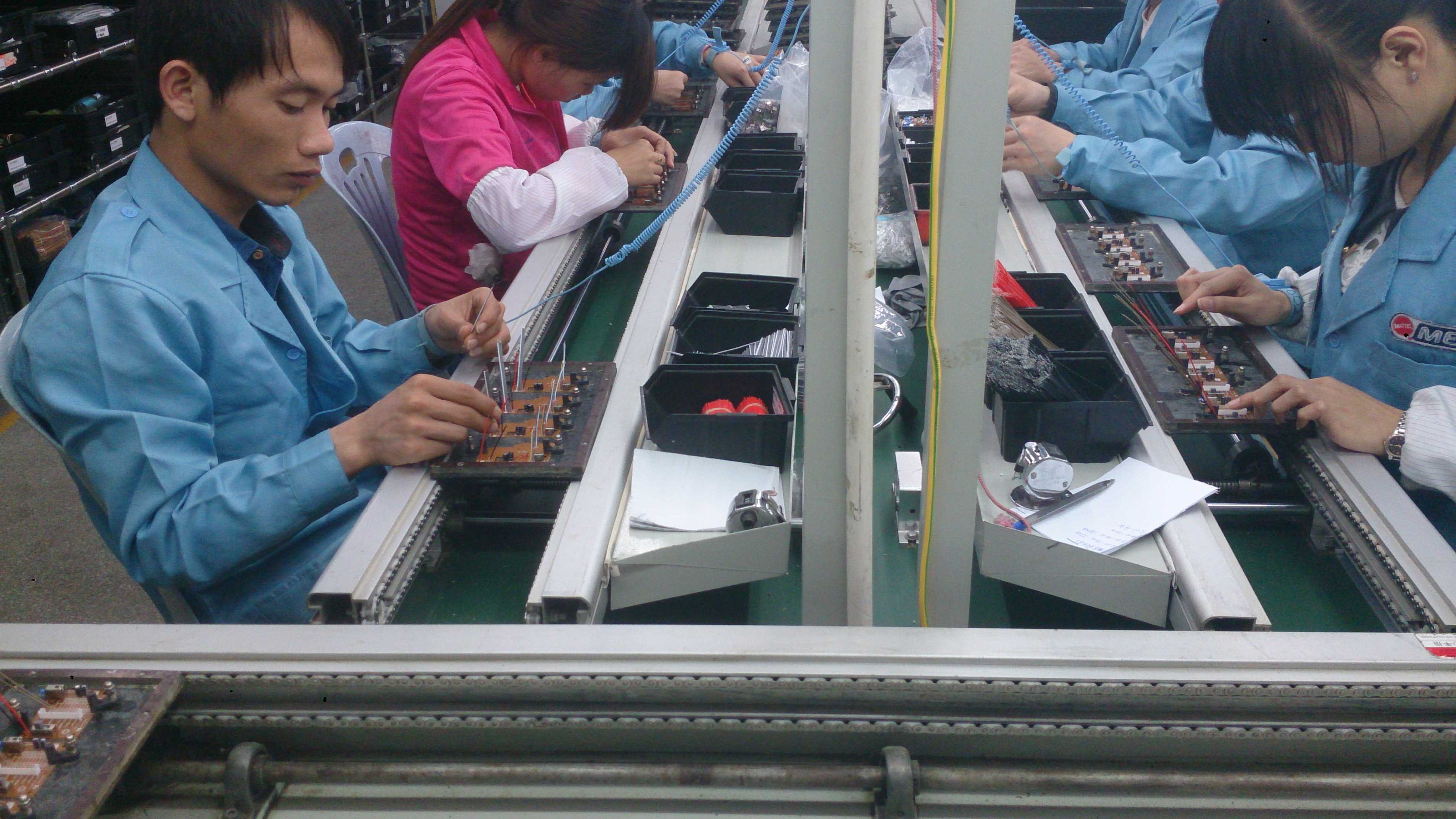 Dip / Manual Insertion Pcb Assembly Production Line