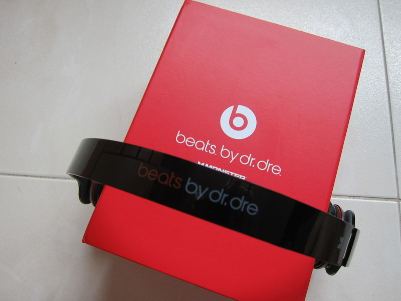 Beats Solo HD by Dr. Dre Headphones Monster Cable