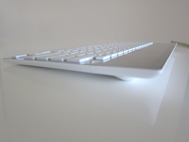 Logitech Wireless Solar Keyboard K760 for Mac/iPad/iPhone