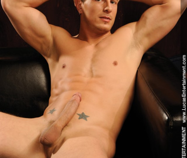 Brad Star Hung Handsome Gay Porn Performer 1011730