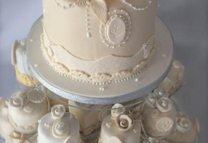 7 Vintage Small Wedding Cakes Photo Small Vintage Wedding Cake