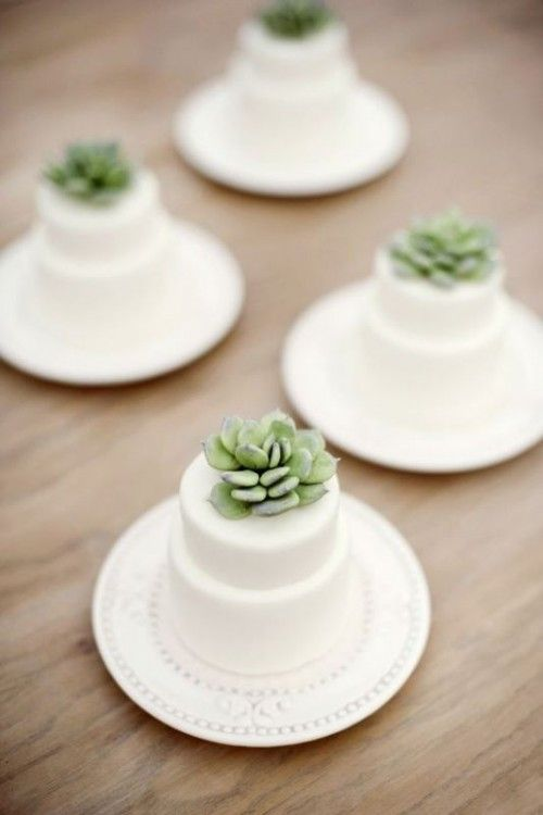 10 Individual Wedding Cakes On Tables Photo Mini Wedding Cake With
