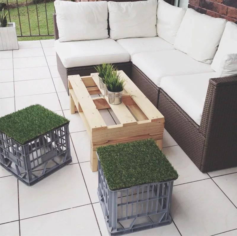 DIY taburete con caja de plástico
