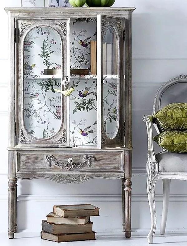 Muebles con papel pintado