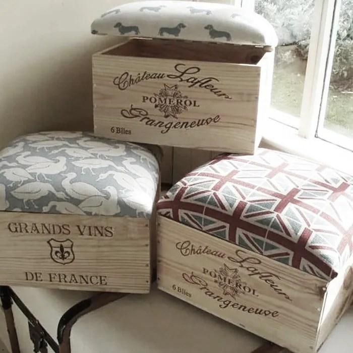 puf con cajas de vino