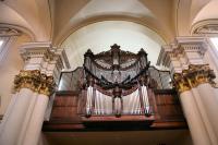 Recherche : Professeur d'Orgue au Département de Musique de l'Université des Andes, organiste de la cathédrale de Bogota