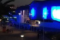 Lighting, Building, Stage, Night Life, Planetarium, Convention Center, Room, Housing, Crowd, Villa, House, Interior Design, Home Decor, Town, City