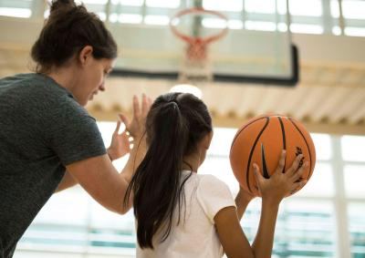 nike-how-to-coach-kids-app-coaching-girls