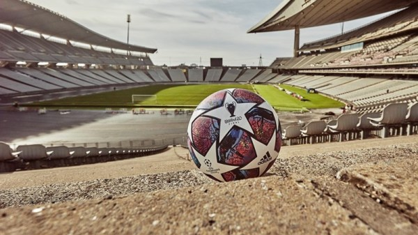 official-match-ball-of-the-uefa-champions-league-2020-knockout-stages,-inspired-by-the-host-city-of-the-final-–-istanbul