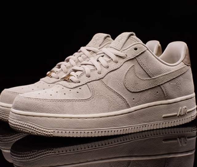 Nike Wmns Air Force 1 Premium Suede Gamma Grey