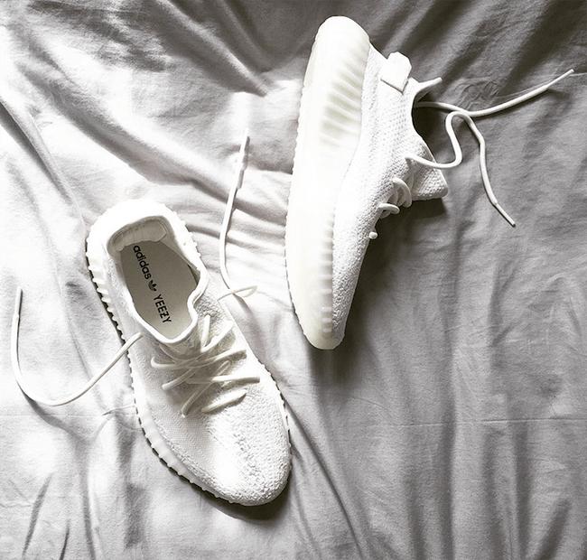 adidas Yeezy Boost 350 V2 Triple White