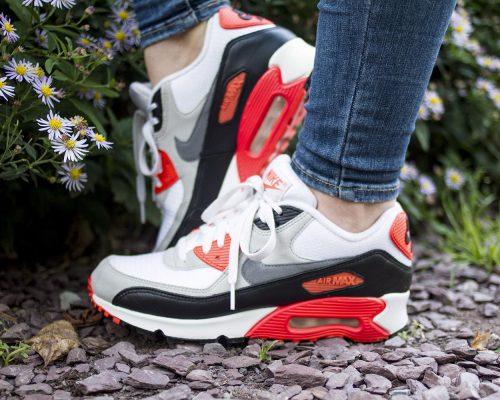 Lizzy – Nike air max 90 Infrared OG