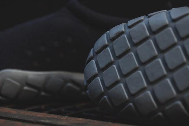 Nike-Air-Moc-Tech-Fleece-8
