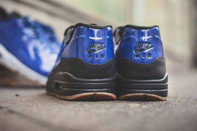 deep royal blue nike airmax