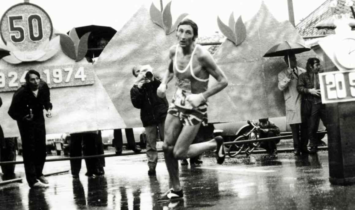 Ron Hill lors du marathon de Boston en 1970
