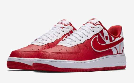 """Nike Air Force 1 Low """"FORCE"""" Logo Pack rouge et blanc"""