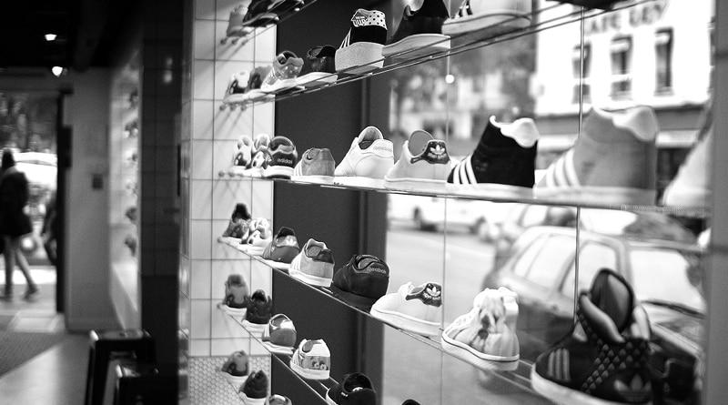Magasin de sneakers à Paris