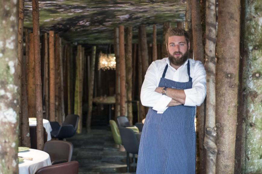 URSUS_-_Clement_Bouvier_dans_son_restaurant_-_2_credit__Pierre_Marie_Gaury__1_