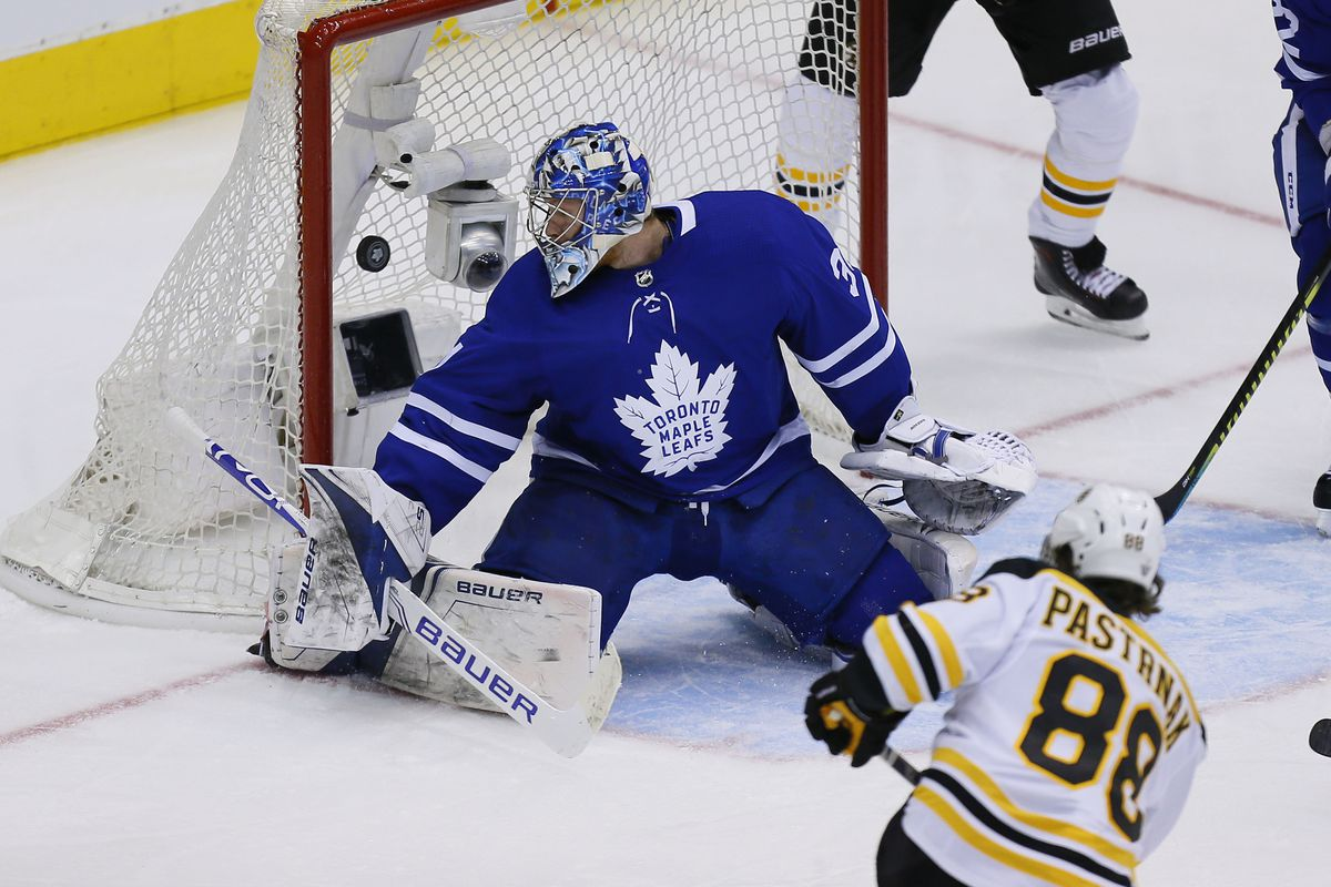 Leafs vs Bruins 4