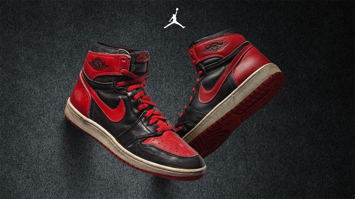 """The """"Banned"""" Air Jordan 1 สี Bred"""