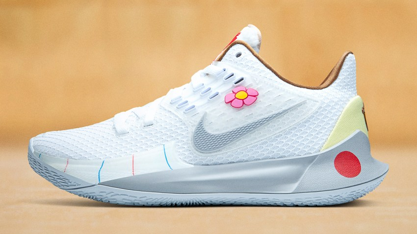"Nike Kyrie Low 2 ""Sandy Cheeks"""