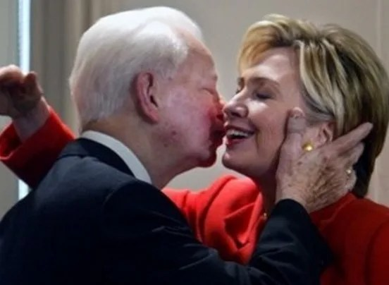 hillary clinton kissed by