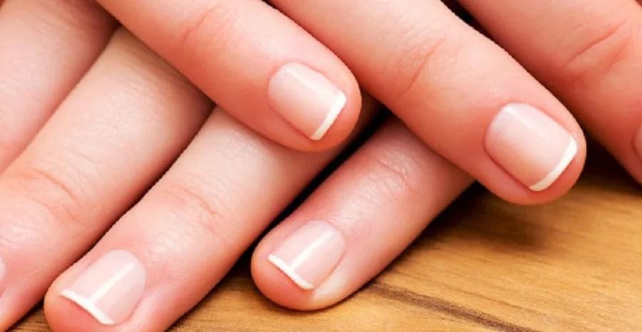 curved fingernails