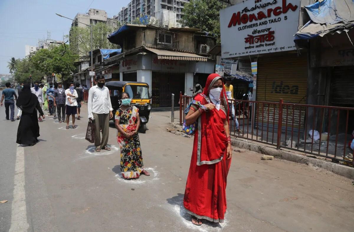 Some Defy India S Sweeping Coronavirus Lockdown But Most