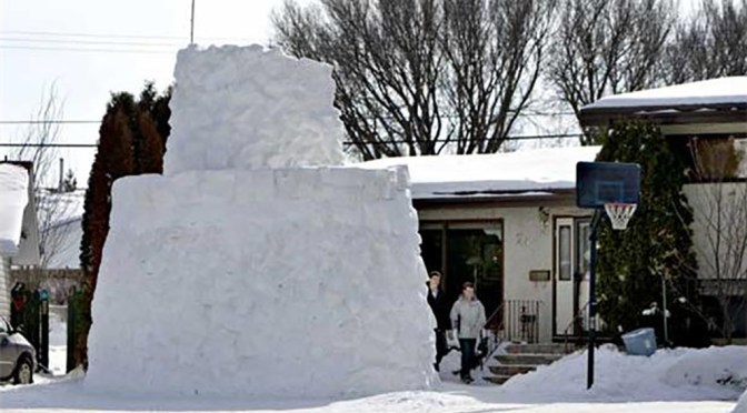 Extreme Snow Fort in Saskatoon