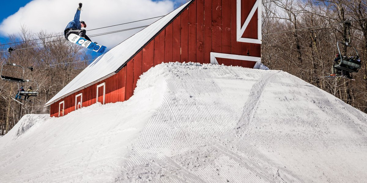 EPIC vs. IKON: Vail Resorts Buys 17 Resorts Across East Coast and Midwest | Snowboarder Magazine