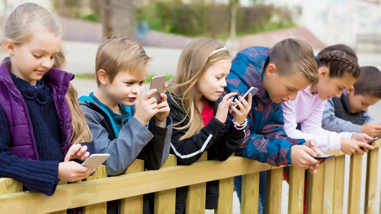 Childhood 2.0: A Social Media Dangers   A Documentary