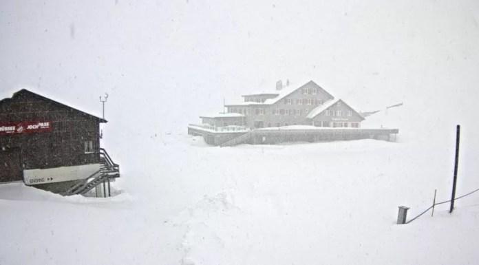 sneeuwval in de Alpen