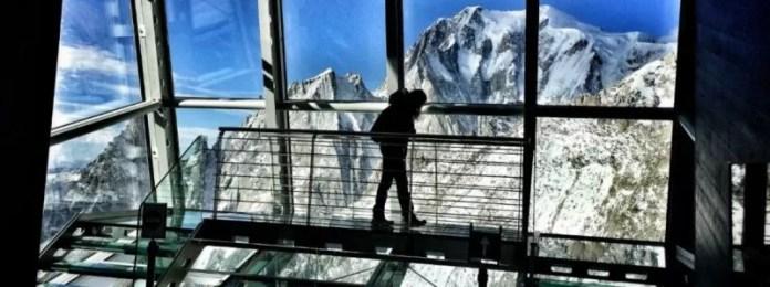 De Skywow: door de glazen wanden, plafond en vloer loop je bijna ín het uitzicht (foto: Skyway)