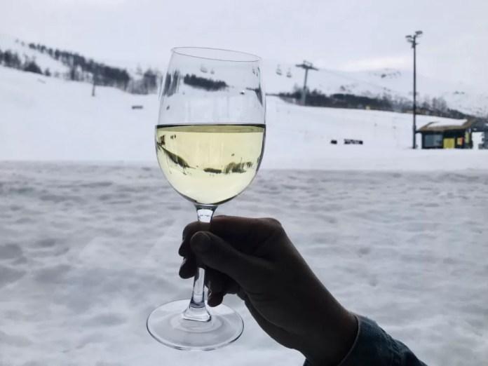 Na een lange skidag tijd voor een drankje!