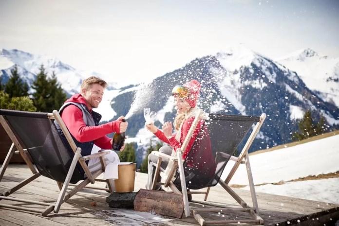 Met een beetje geluk begint de après-ski buiten in de zon. Foto: Saalbach