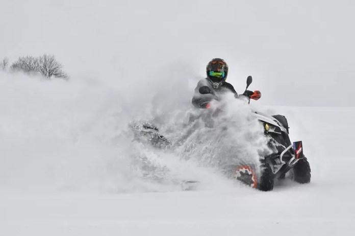 sneeuwscooter
