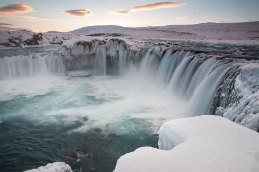 Watervallen in Noord-IJsland. Hörður Finnbogason