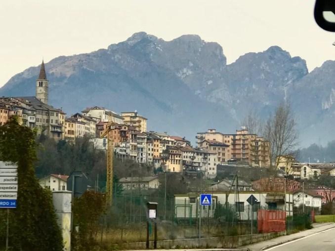 Onderweg begonnen de bergen zich langzaam te tekenen