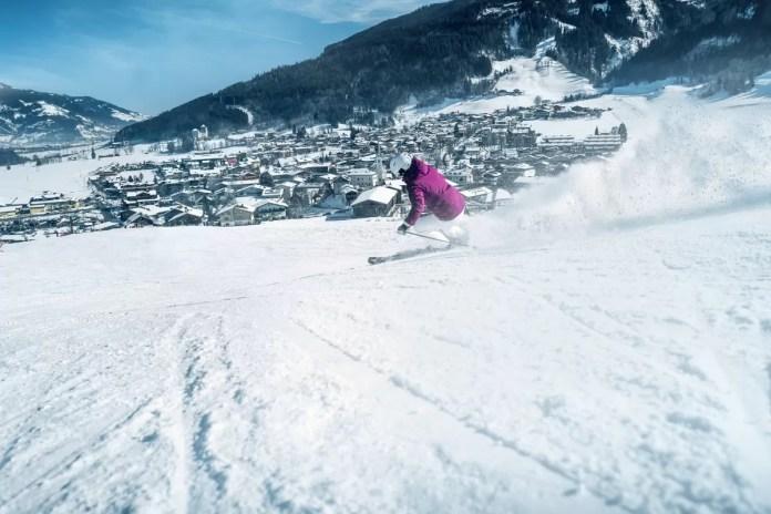 Skiën op de Maiskogel met zicht op het dorp. Foto: Kitzsteinhorn