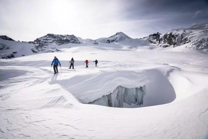 Of ga eens winterwandelen in deze waanzinnige omgeving. Foto: Saas-Fee