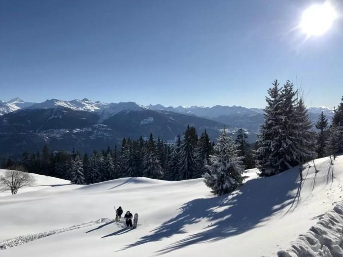 Nadeeltje... Soms moet je een stuk terug klimmen door de verse sneeuw... Foto: Pauline van der Waal