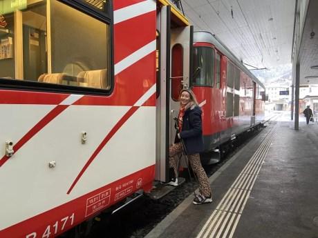 Met je ski's de trein in. Foto: Maaike de Vries