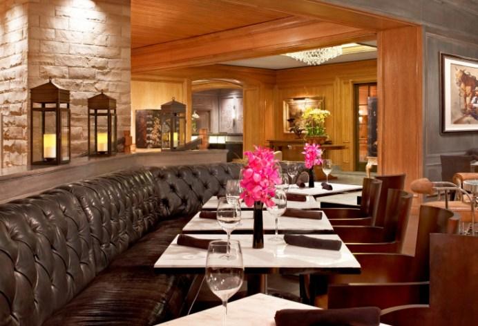 st-regis-aspen-shadow-mountain-lounge-table-setting1-732x500