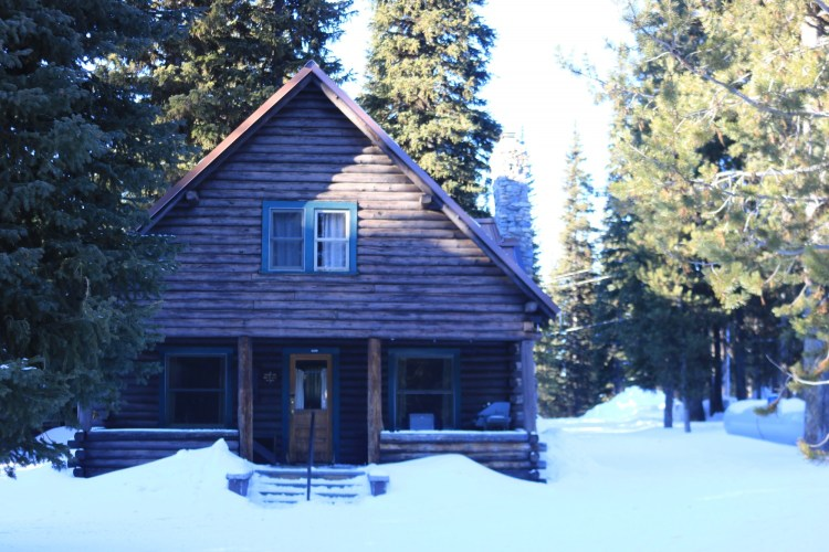 Anthony Lakes OR historic guard station in winter