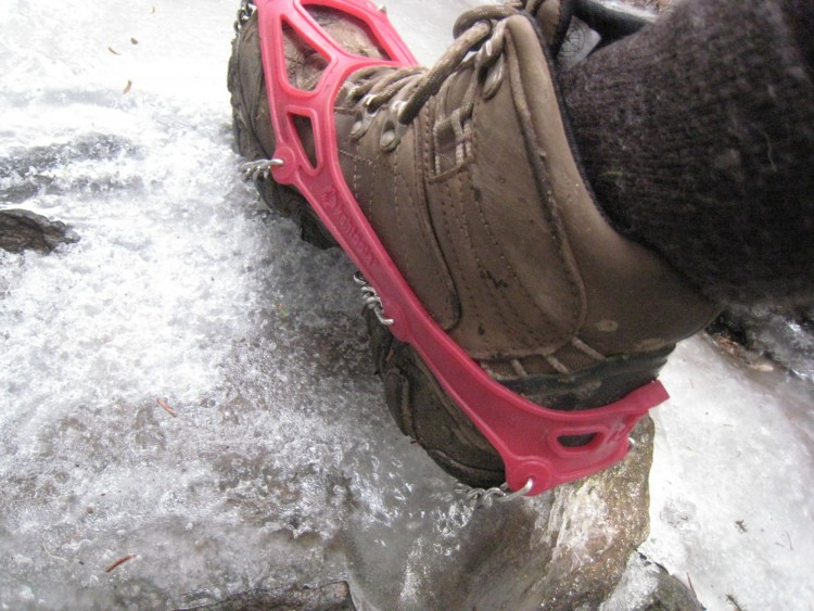 Kahtoola Microspikes: close up of traction device on icy rock