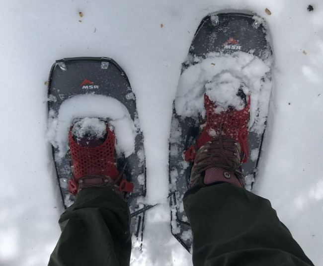 close up of feet in Lightning Ascents with Paragon bindings