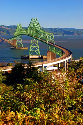 Astoria-Megler_Bridge_(Clatsop_County,_Oregon_scenic_images)_(clatDA0003b)