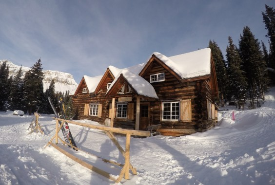 Historic Skoki Lodge (ski lodge and National Historic Site)