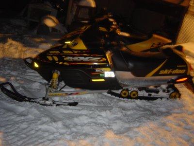 https://i0.wp.com/www.snowsnakes.com/snowmobiles/1143915697minus_00.jpg